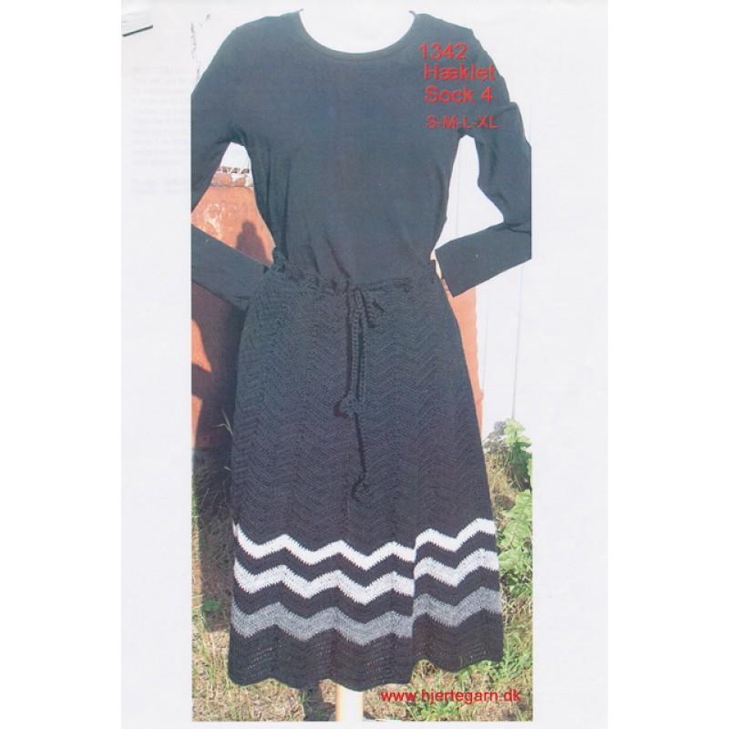 1342 Hæklet nederdel i zigzak mønster-35