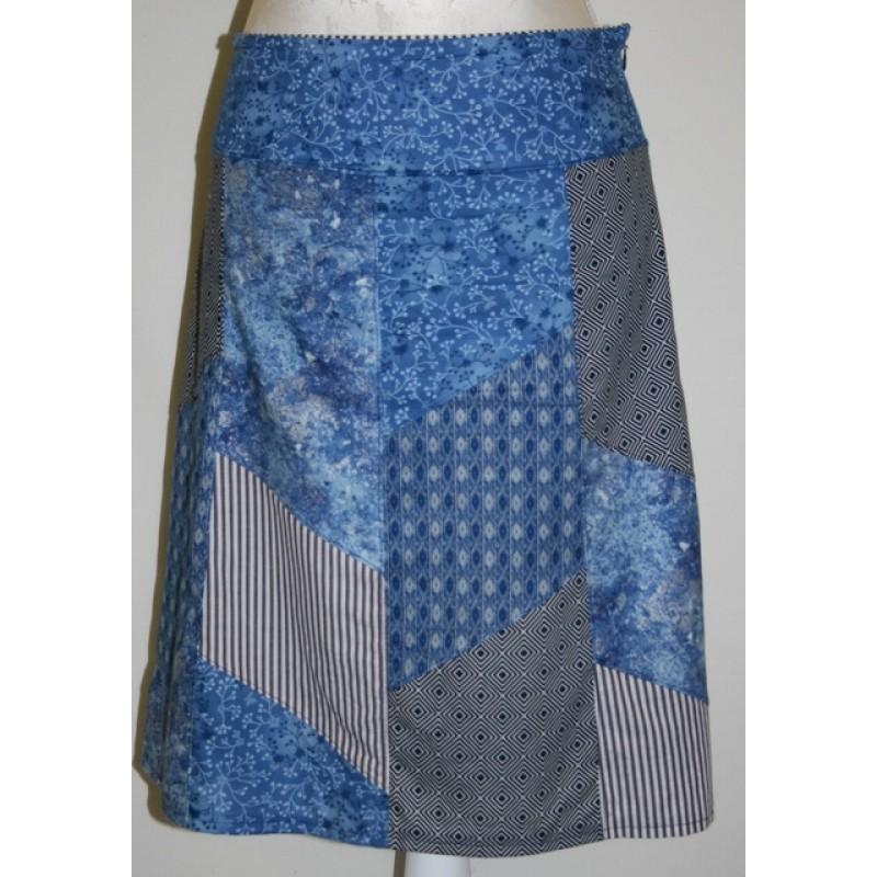 Nederdel i forskellig blå bomuldsstof