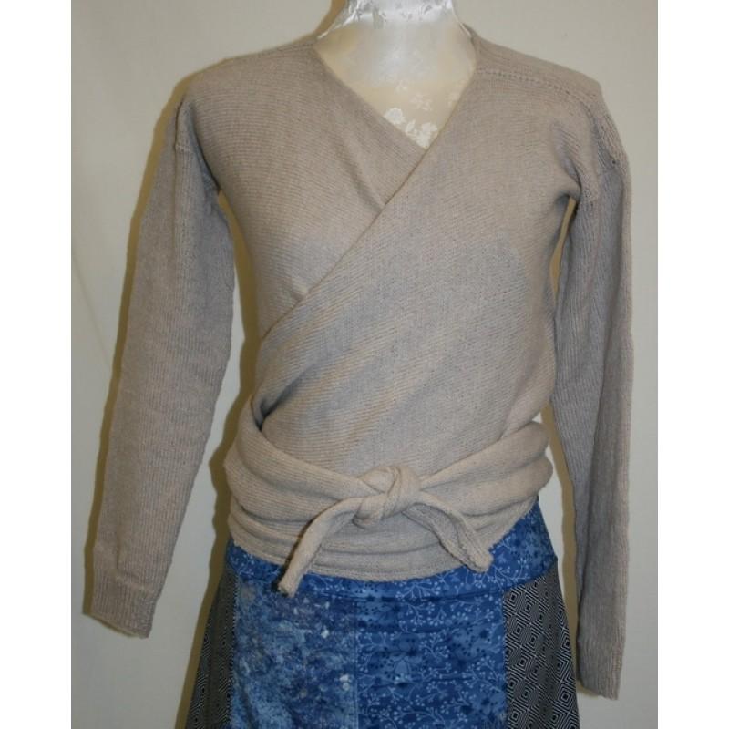 Slå-om Bluse model Isabella strikket i Organic 350