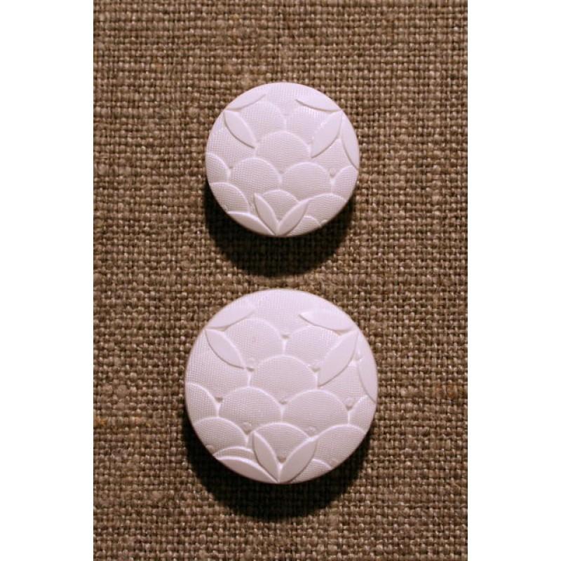 Hvid knap m/mønster, 22 mm.