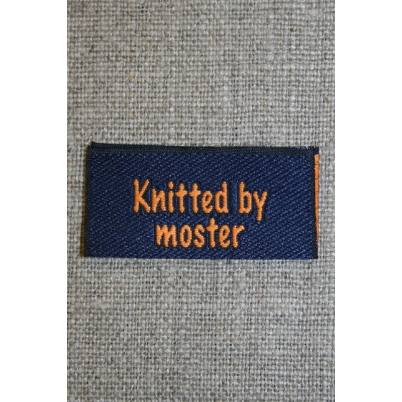 "Blå/orange mærke ""Knitted by moster""-05"