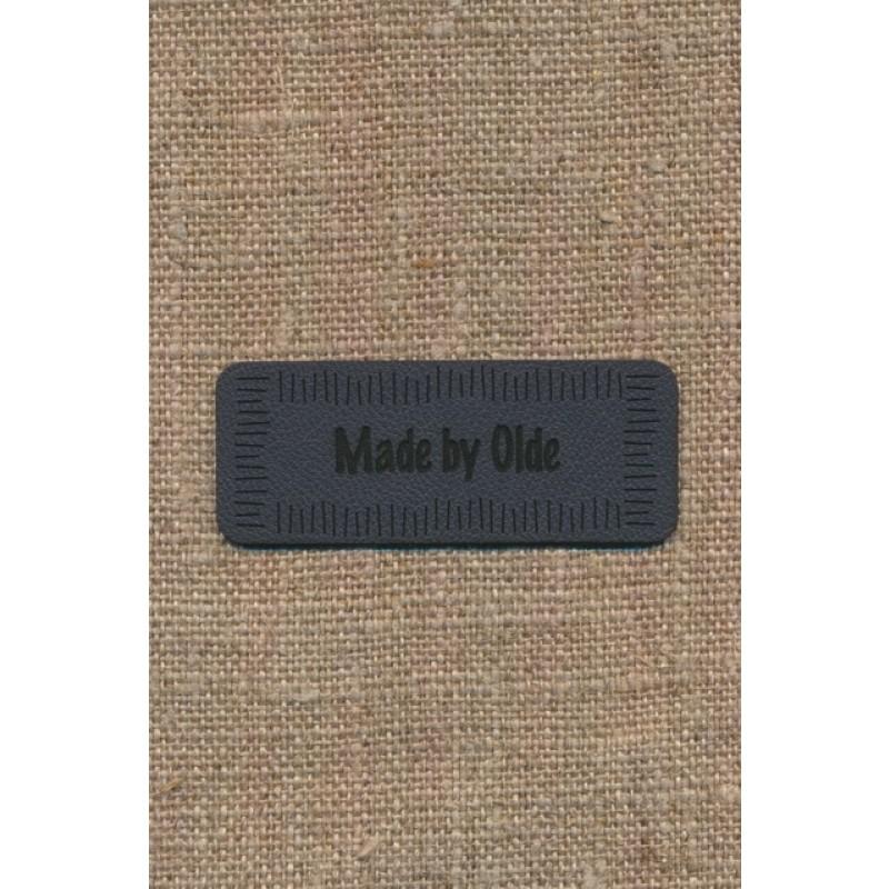 """Motiv i læderlook i grå """"Made by Olde""""-38"""