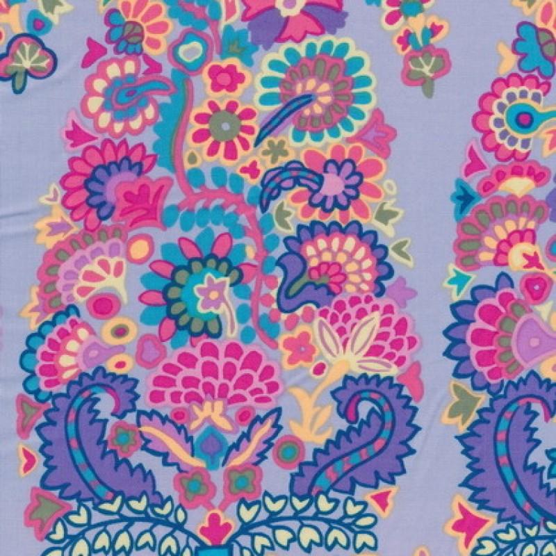 Patchwork af Kaffe Fassett stormønstret stoffet er lyselilla, pink