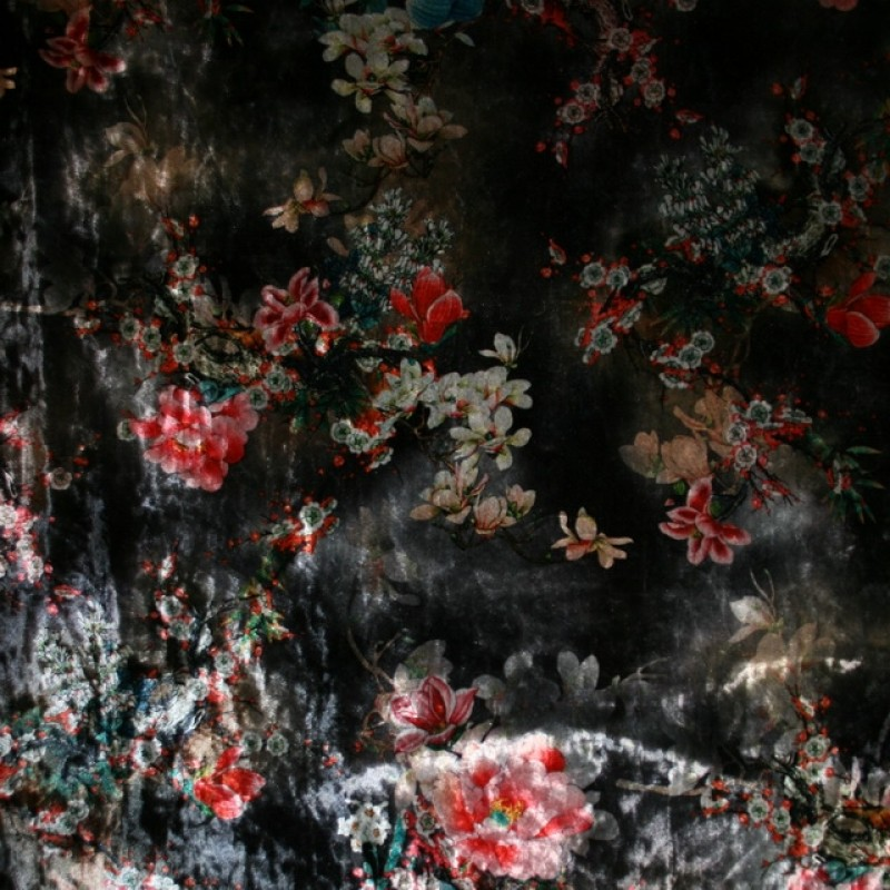 Velour med blomster grå rød off-white-33