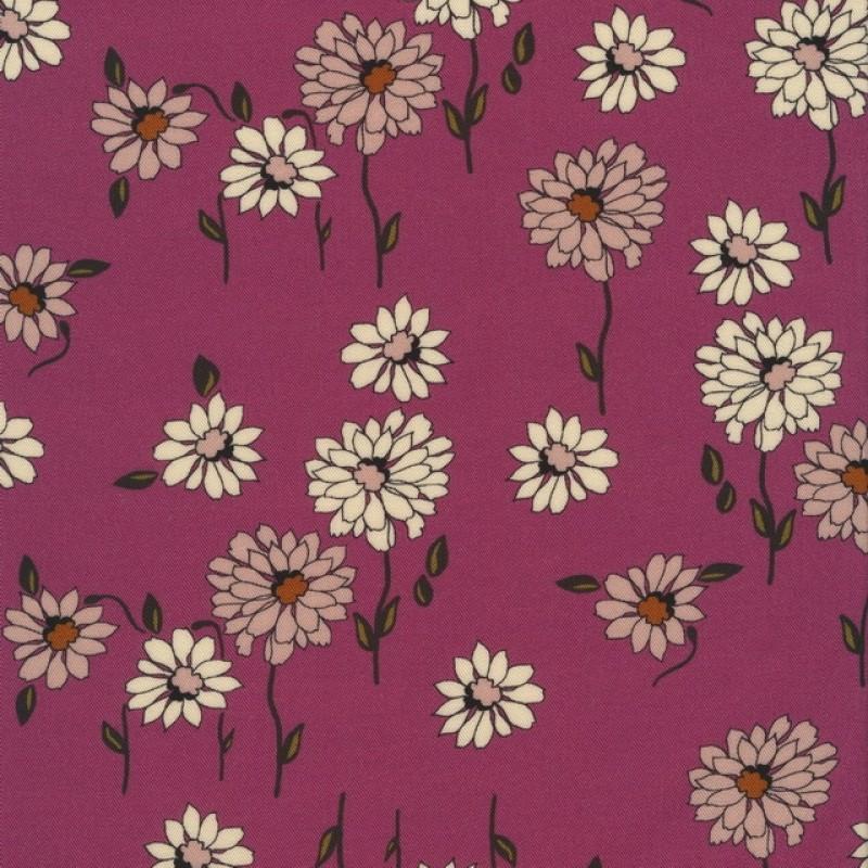 100% viscose med digitalt print i lys cerisse med blomster