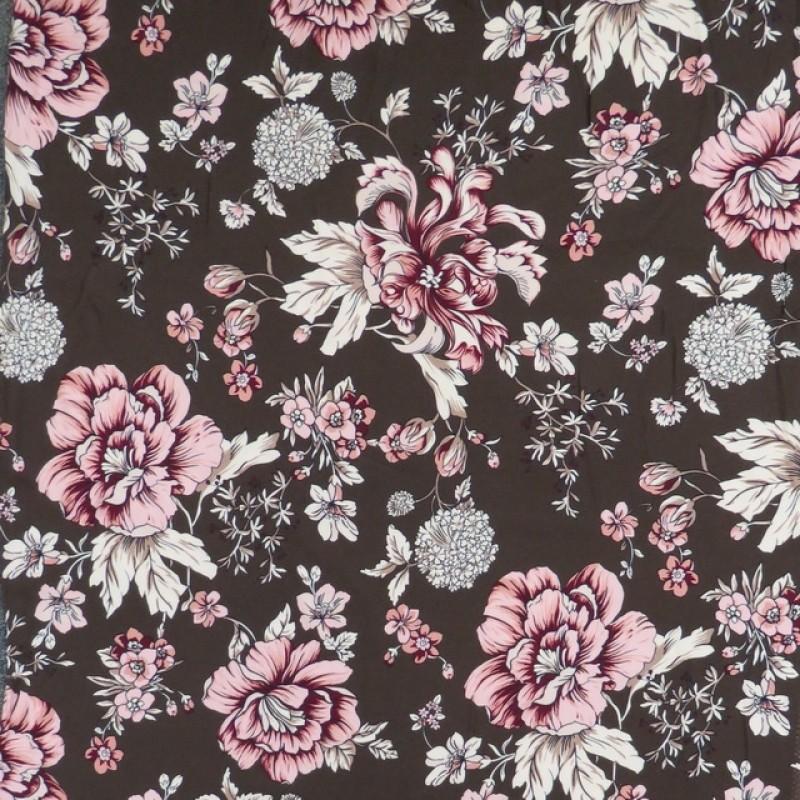 Crepé viscose i mørkebrun med store blomster i rosa