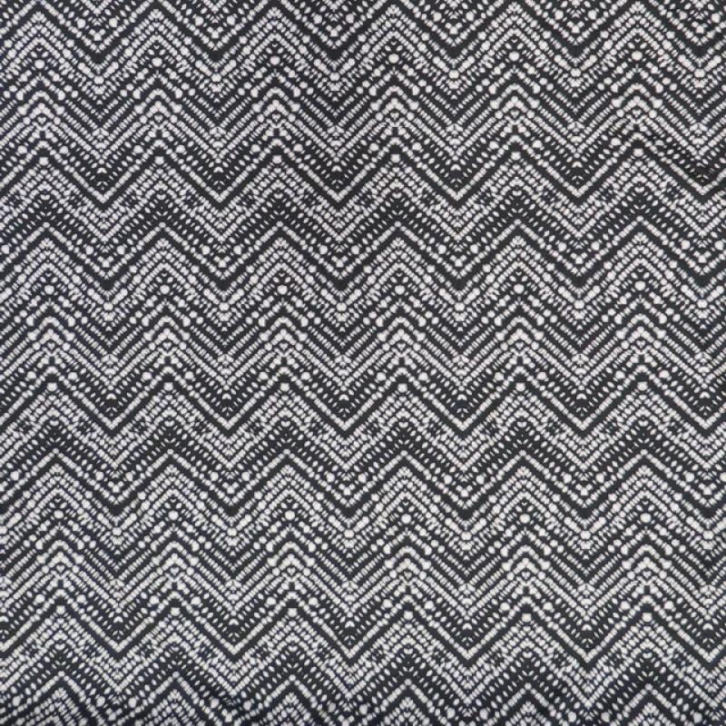 Afklip Viscose/lycra med zig-zag mønster i koksgrå og hvid 100 cm.-311