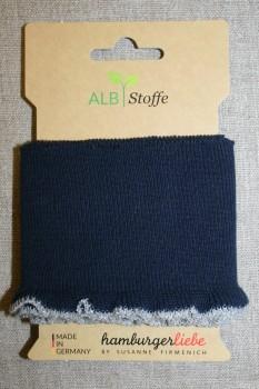 Ribkant med flæse kant mørkeblå og lysegrå-sølv 80 mm x 110 cm.
