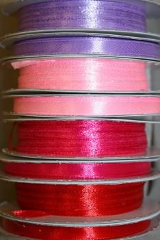 10 meter rulle satinbånd 6 mm. lyselilla - lyserød - pink - rød