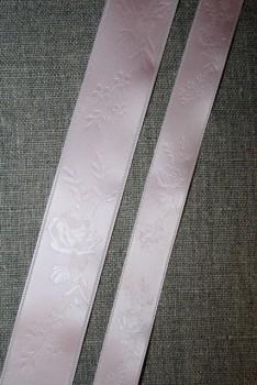 Satinbånd med roser babylyserød 16+25 mm.