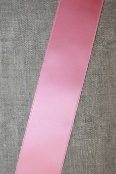 Rest Satinbånd lyserød 40 mm. 180+50+162 cm.