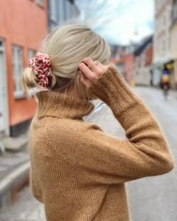 Caramel Sweater - PetiteKnit strikkeopskrift