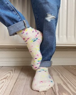 Everyday socks Junior - PetiteKnit strikkeopskrift