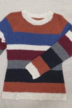 Bluse med striber strikket i Silk Tweed på p 7