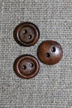 Lille brun 2-huls træ-knap, 11 mm.