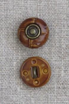 Gylden brun knap i læderlook med oxyderet midte 15 mm.