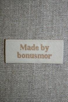 """Beige mærke """"Made by bonusmor"""""""