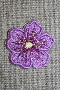 Strygemærke m/blomst lilla/gul