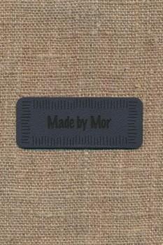 "Motiv i læderlook i grå ""Made by Mor"""