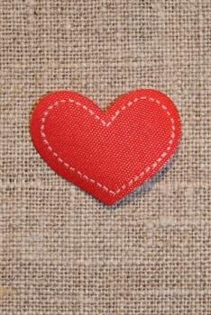 Strygemærke rødt hjerte, 18x22 mm.