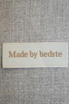 """Beige mærke """"Made by bedste"""""""