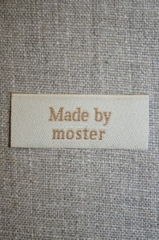 """Beige mærke """"Made by moster"""""""