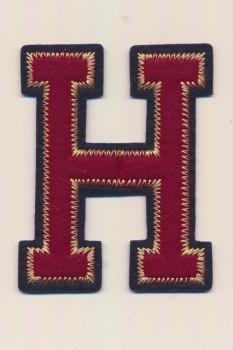 H- Bogstaver til påstrygning i mørk rød og marine, 75 mm.