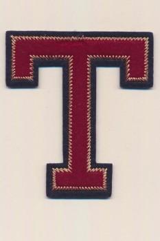 T - Bogstaver til påstrygning i mørk rød og marine, 75 mm.
