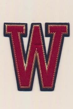 W - Bogstaver til påstrygning i mørk rød og marine, 75 mm.