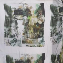 Rapport i Bomulds-voil med ansigt og blade i hvid og turkis
