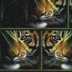 Afklip Bomuld/lycra økotex m/digitalt tryk i sort med tiger 40x60 cm.