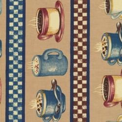 Patchwork stof med kaffekopper og striber i beige og blå