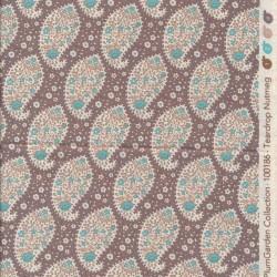 Tilda Patchwork stof i pudderbrun med sjalsmønster