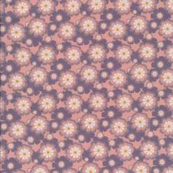 Afklip Patchwork stof med blomster i rosa, babylyserød og grå-lyng 50x55 cm.