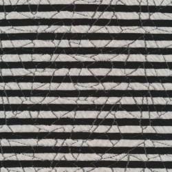 Stribet strik i sort og hvid med mønster