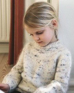 Novice sweater junior - PetiteKnit strikkeopskrift