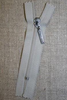 08 cm m/sølv vedhæng, lysegrå