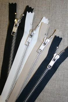 20 cm. metallynlås YKK 6 mm.