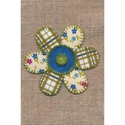 Strygemærke m/blomst i patchwork-look i oliven blå offwhite-20