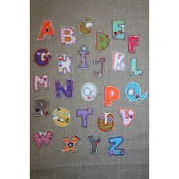 Mærke m/ bogstaver U-20
