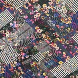 Bomuldsjersey med digitalprint med skrå strib og blomster-20