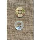 4-huls knap off-white perlemors-look 12 mm.