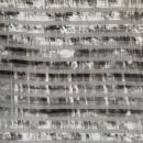 Let stribet/batik strik m/hulmønster i grå