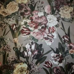 Velour med præget læder-look og blomster